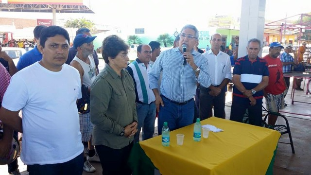 """""""Vamos antecipar o pagamento para amanhã para que todos possam aproveitar a Exposição Agropecuária"""", antecipou o prefeito."""