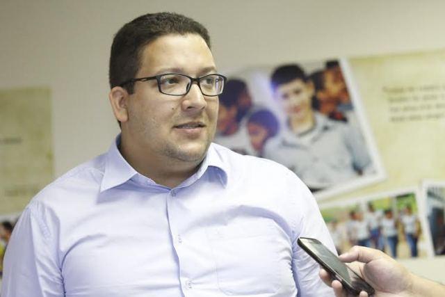 Segundo Geferson Barros, a proposta apresentada pelo Governo do Estado contempla as reivindicações dos profissionais de educação (Foto: Elias Oliveira)
