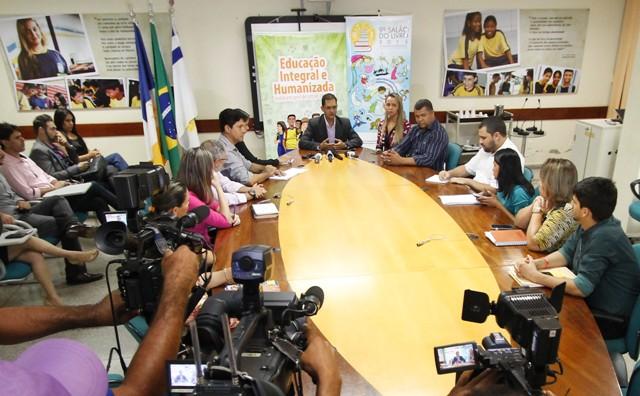 """""""Vamos planejar um calendário dentro das características e regionalidades de cada unidade"""", frisou o secretário (Foto: Elias Oliveira)"""