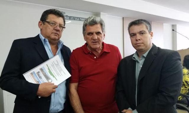 Jonas Barros, José Rubens Mazzaro e Thiago Benfica durante a audiência (Foto: Wesley Silas)