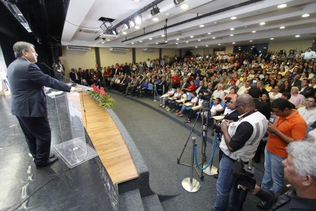 Governador Marcelo Miranda diz que retorno do Salão foi compromisso feito em praças públicas (Foto: Elias Oliveira / Seduc)