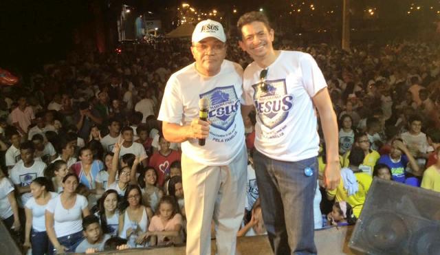 Pastor João Feitosa ao lado do músico Paulinho Vaninha Ribeiro. (Foto Divulgação dos organizadores)