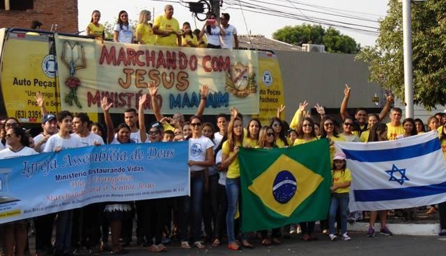 Com louvor e orações, representantes do Ministério Restaurando Vidas Maanaim também compareceram na Marcha para Jesus. (Foto: Divulgação)