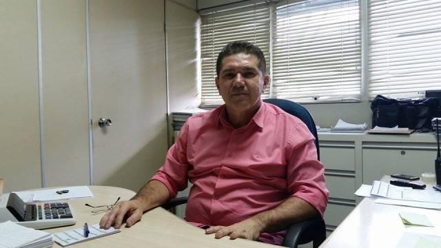 """""""no dia 10 de dezembro do ano passado o nosso reservatório estava completo e o córrego estava correndo normalmente"""". Aelton Camargo."""