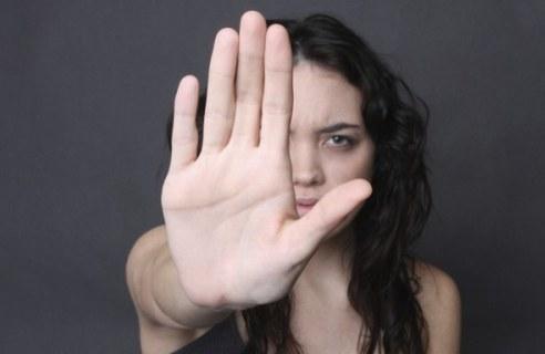 Hospitais e centros de saúde pública deverão informar as mulheres sobre a possibilidade de acesso gratuito à cirurgia plástica para reparação das lesões ou sequelas de agressão comprovada Foto: Fapeam