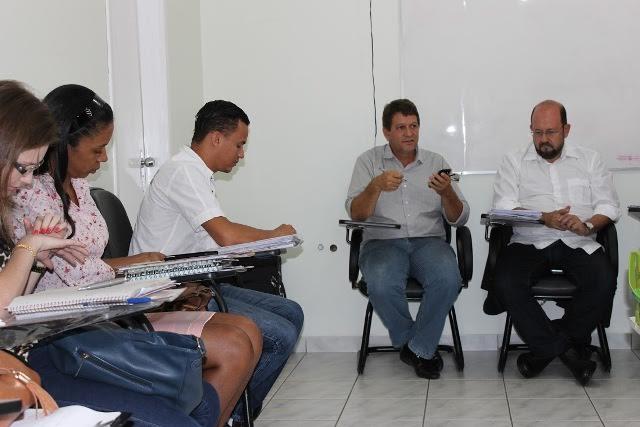 A equipe percorreu o hospital, acompanhou o funcionamento de cada departamento e se reuniu com diretoria