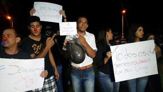 Manifestação ocorrida na terça-feira. (Foto: Wesley Silas)