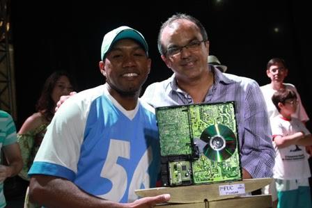 Éberson dos Santos/IFTO vencedor do 7º FUC com Sávio Barbalho - Foto: Cláudio Frascari