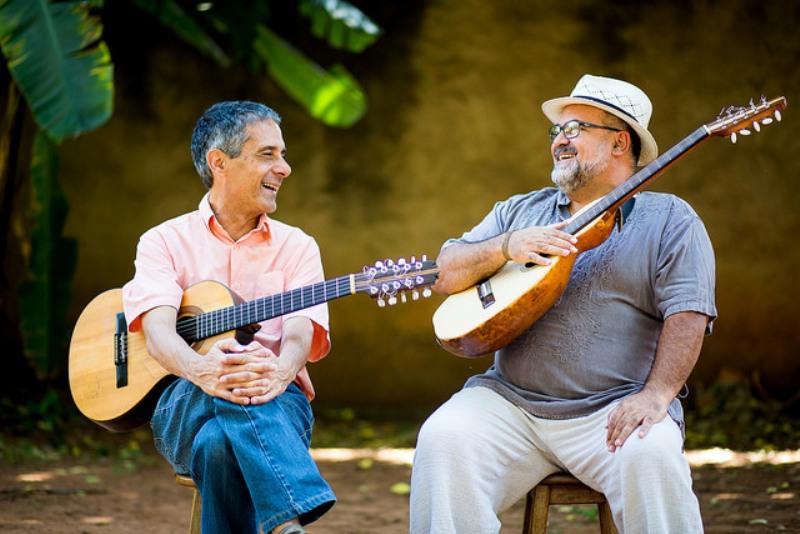 No sábado, dia 13, Paulo Freire e Levi Ramiro (SP) estarão apresentando Violas Caipiras.