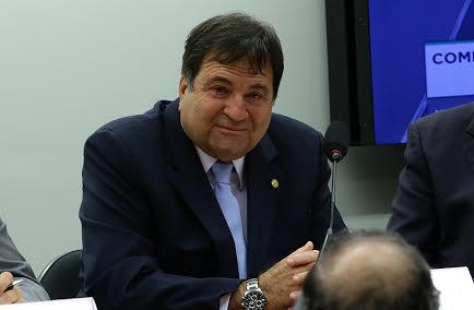 """""""O Brasil pode vir a ser penalizado nas suas exportações de proteína animal por usar os aditivos da alimentação com a classificação e nomenclatura dos medicamentos veterinários"""", Halum"""