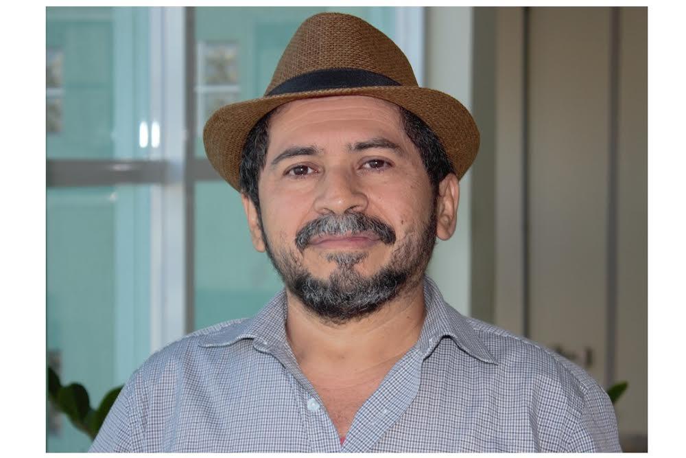"""""""As ocupações crescendo cada vez mais têm demonstrado força e consciência dos jovens que acreditam ainda num país melhor e não aceitam retrocesso"""". João Nunes."""
