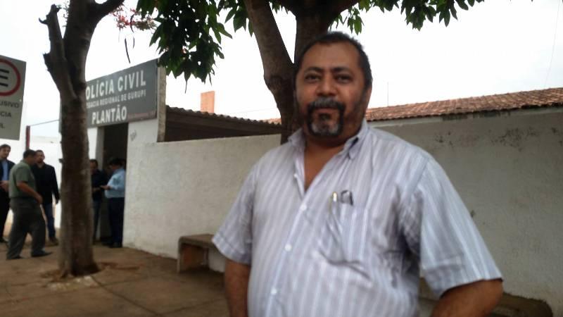 """""""Ele não tem participação neste crime porque temos todas as provas de que na data do crime ele estava em Goiânia a serviço da empresa em que ele trabalha"""", João Veloso."""