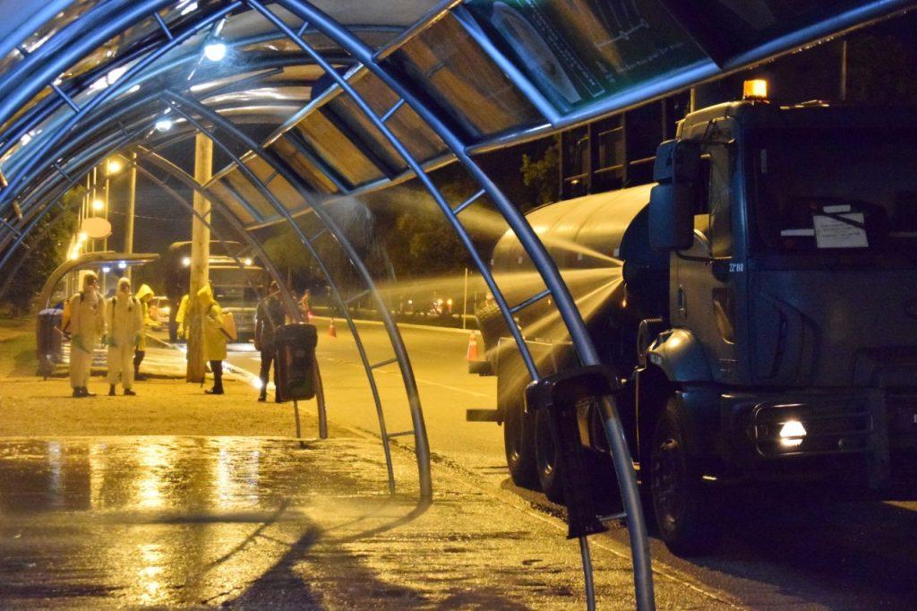 Palmas-higienizaçãook-1024x682 Prefeituras usam água sanitária na higienização de ruas de maior circulação de pessoas