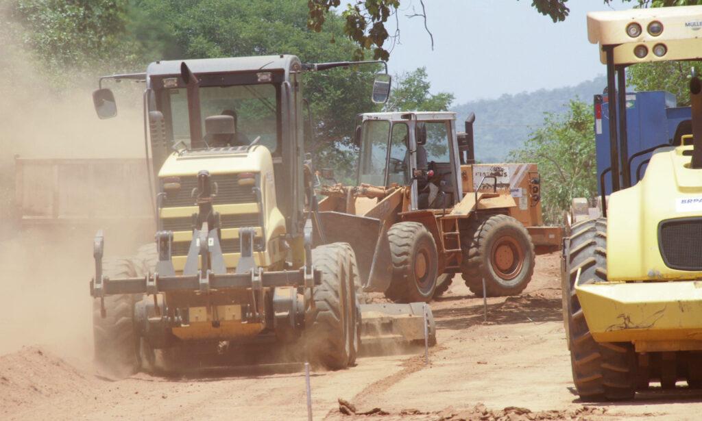 Trevo-Obra-rodovia-que-liga-Gurupi-ao-trevo-da-Praia-foto-Washington-Luiz-22-10-2020-63-1024x615 Governo garante agilidade na construção da pavimentação no Trevo da Praia em Gurupi