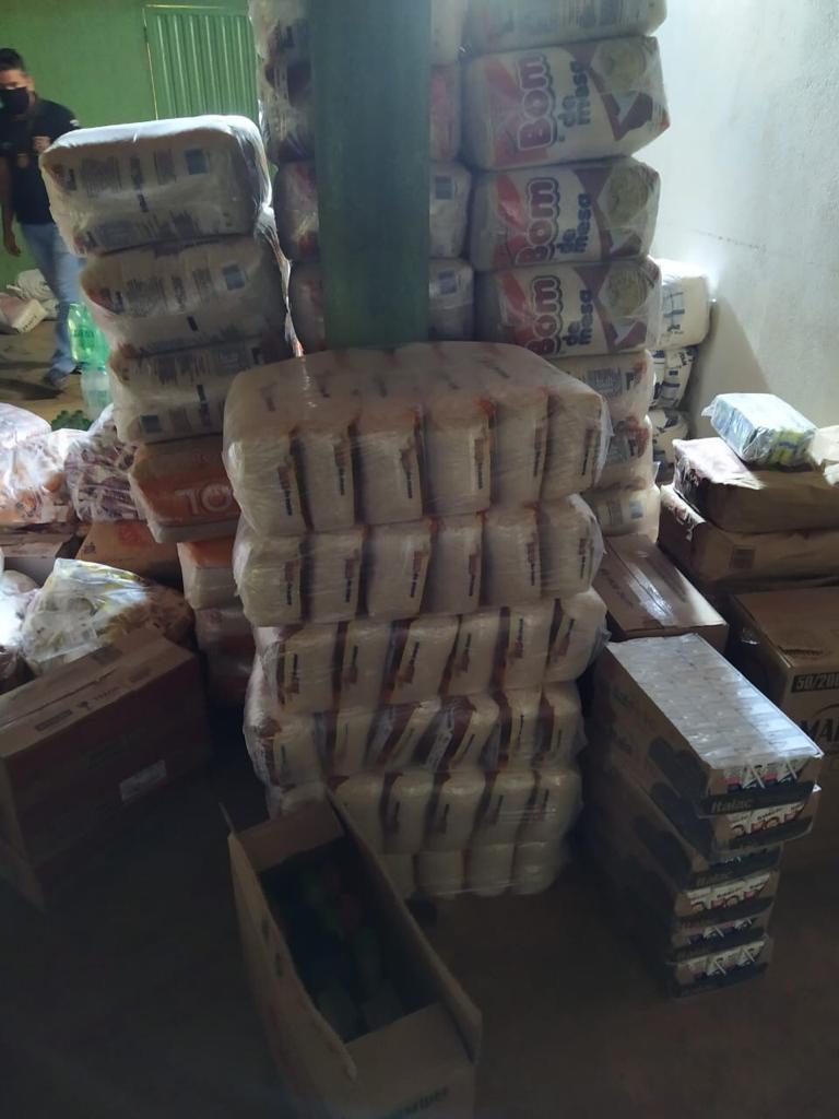 cargadearroz1 Comerciante é preso e carga de arroz roubada de caminhoneiro em Gurupi é recuperada no município de Peixe
