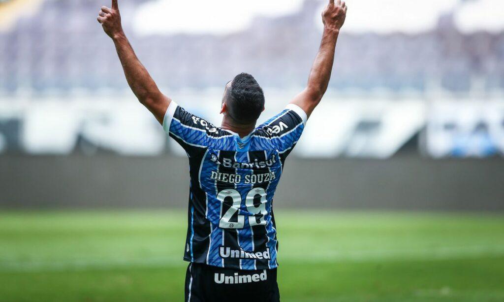 Gremio-1024x613 Grêmio supera Cuiabá outra vez e avança à semifinal da Copa do Brasil