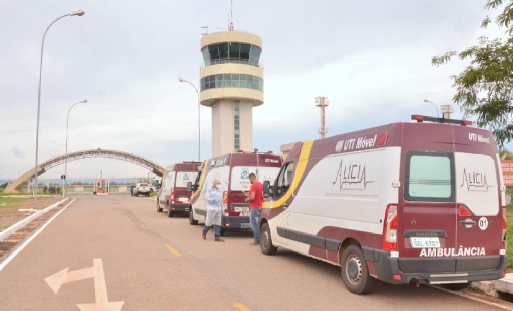 548628_1000 Governo do Tocantins presta assistência no pouso técnico, em Palmas, de avião que transportava pacientes com covid-19 oriundos de Manaus