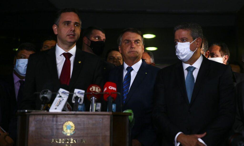 Bolsonaro-pec-das-barreira-1024x613 Bolsonaro entrega medida provisória para privatização da Eletrobras