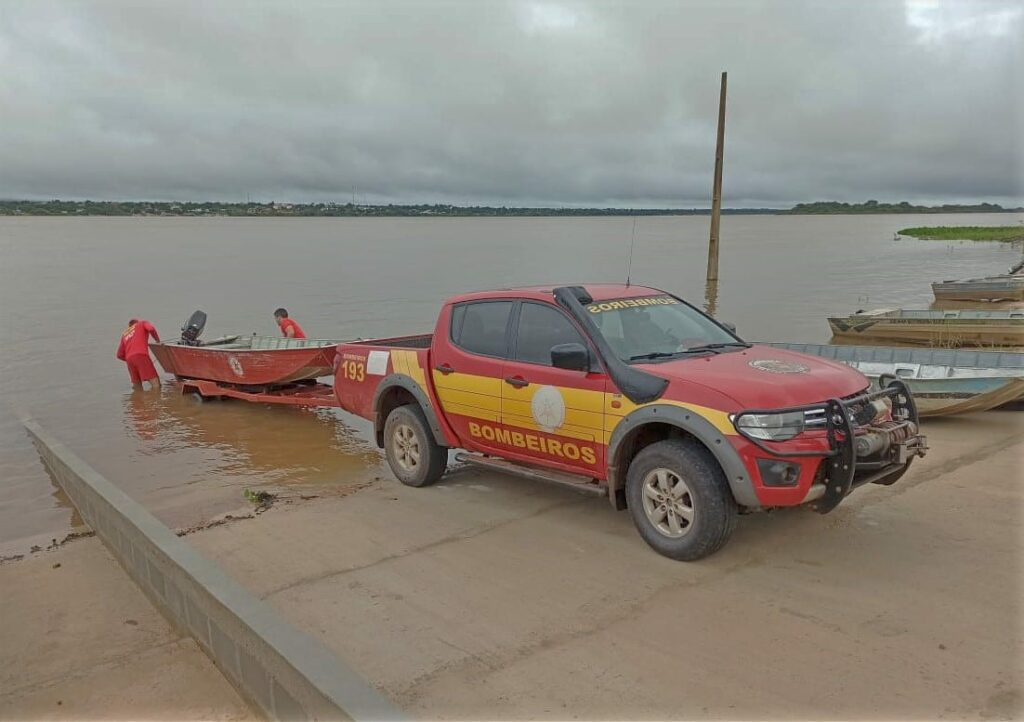 IMG_20210221_172136_783-1024x722 Bombeiros buscam por pescador afogado no Rio Araguaia em Couto Magalhães