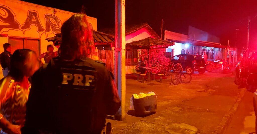 IMG_20210221_175318_994-1024x536 Em ação de combate à exploração sexual, PRF resgata duas adolescentes consumindo bebida alcoólica acompanhadas por homem de 40 anos em Barrolândia/TO