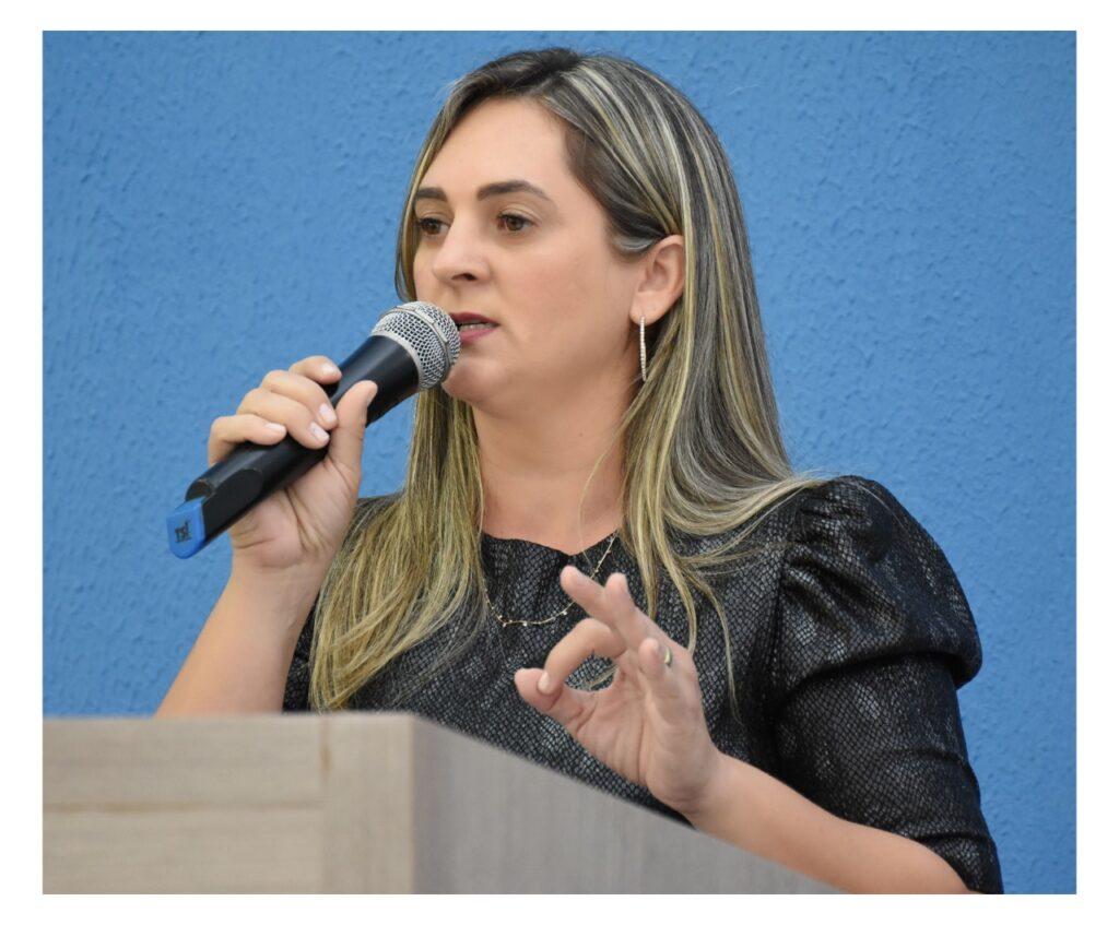 """Prefeita-de-Santa-Fe-do-Araguaia-Vicenca-Lino-1024x847 """"Expressiva quantidade de dívidas"""" provocou bloqueio do FPM em Santa Fé do Araguaia, alega prefeita"""