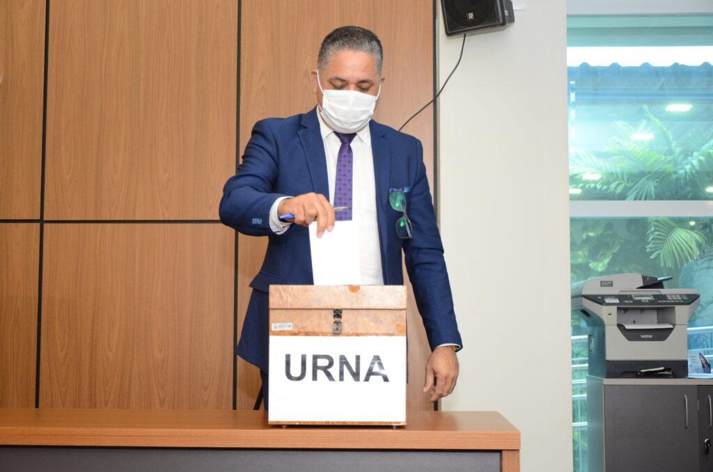 Vereador-Eudes-1024x678 Base de Cinthia Ribeiro sai fortalecida na eleição das Comissões Permanentes da Câmara de Palmas