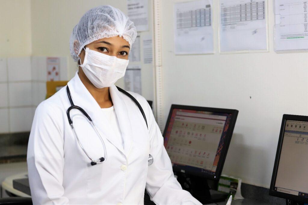 medicos-araguaina-1024x682 Com salário é de R$ 15 mil,  Prefeitura de Araguaína abre chamamento para contratação de 46 médicos