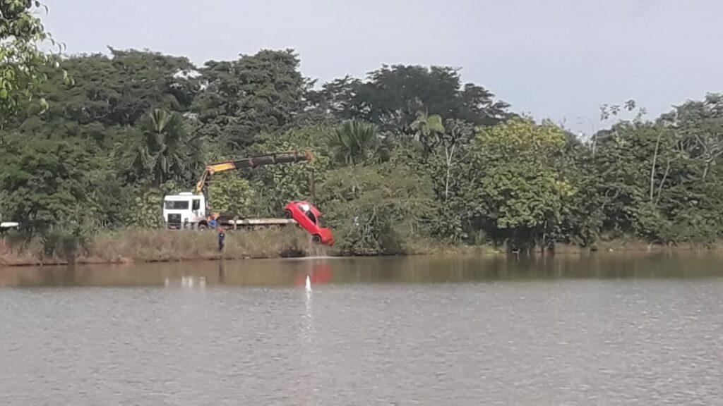 IMG-20210418-WA0037-1024x576 Motorista embriagado provoca acidente e carro cai na represa em Gurupi