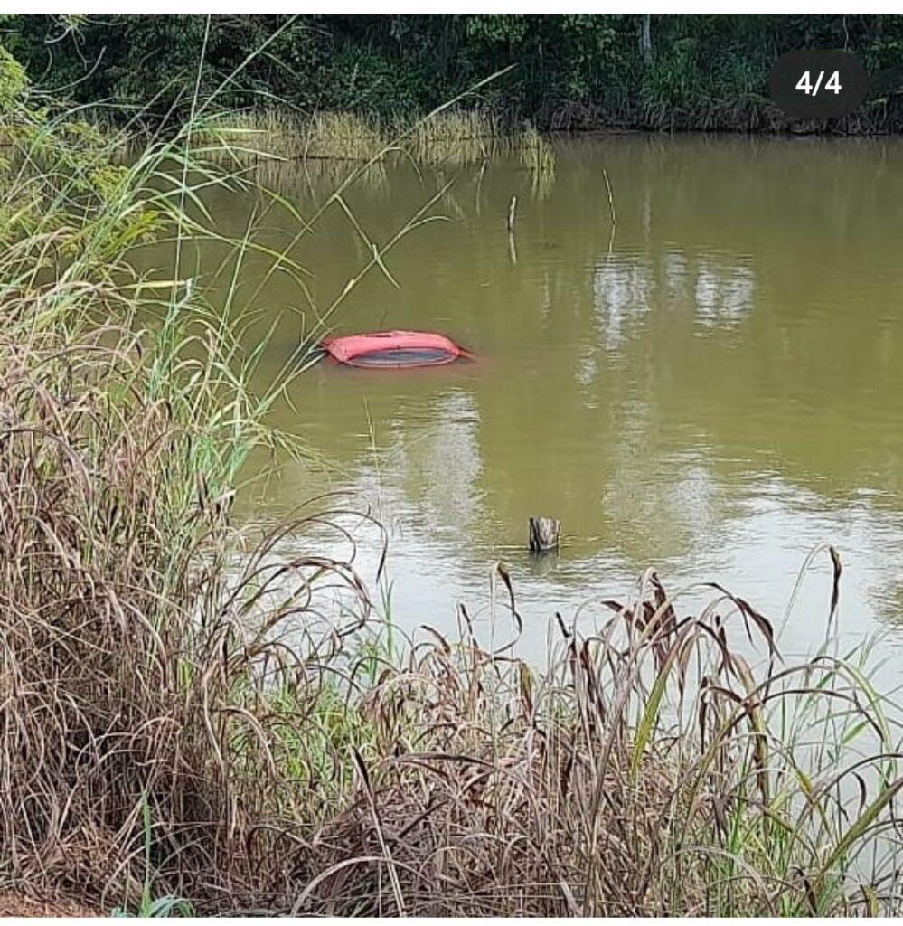 IMG-20210418-WA0039-999x1024 Motorista embriagado provoca acidente e carro cai na represa em Gurupi