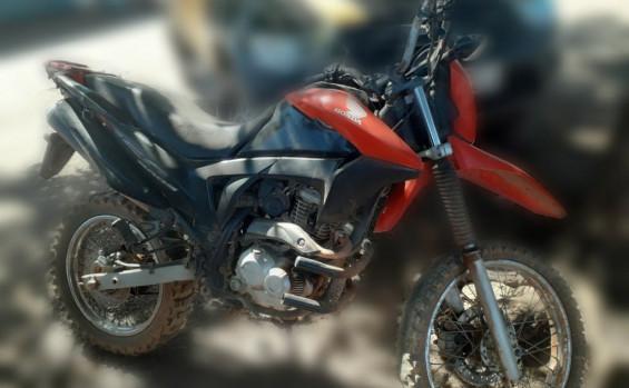 Formoso-moto-2 Motocicleta irregular é retirada de circulação em praia de Formoso do Araguaia