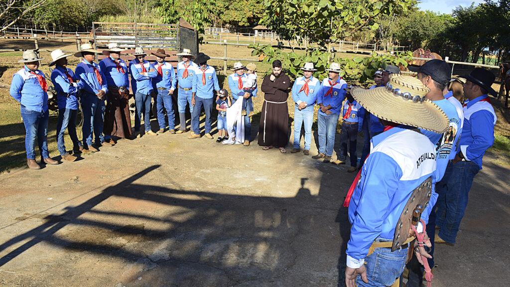 TROPEIROS-FOTO-LIA-MARA-1-1024x576 Comitiva de Tropeiros de Taquaruçu inicia peregrinação ao Senhor do Bonfim