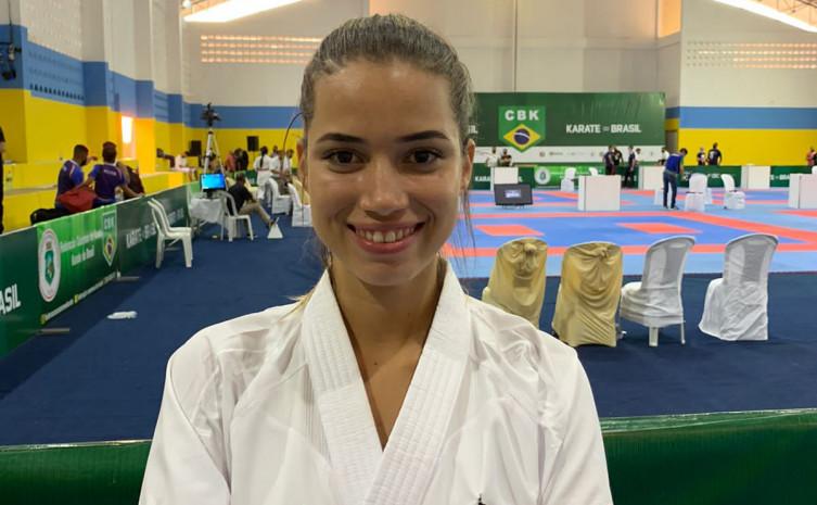 260291 Com apoio do Governo do Tocantins, a campeã karoline Burjack, disputou o Brasileiro de Karatê