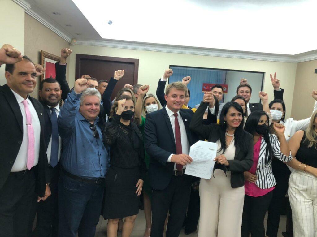 OAB-Vitor-1024x766 Jovem advogado Dr. Vitor Schmitz e a experiente Rosânia Aguiar laçam chapa para eleição da OAB subseção de Gurupi