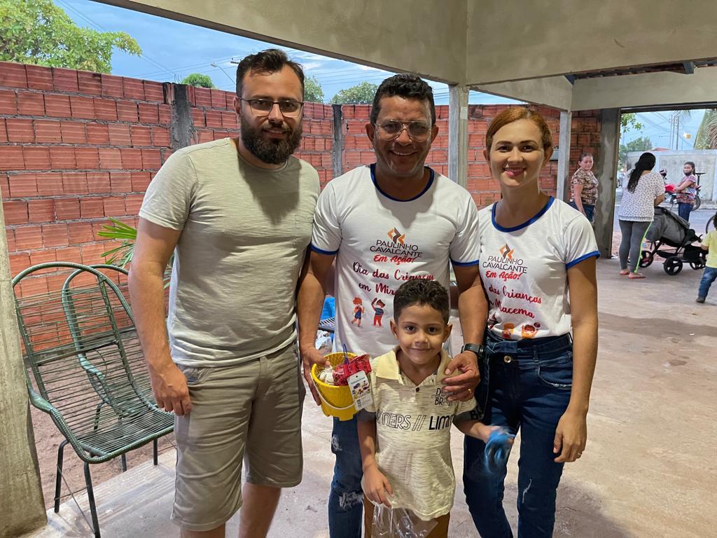 criancas-de-Miracema-Foto-01-Pais-com-filhos Solidariedade chega às crianças de Miracema