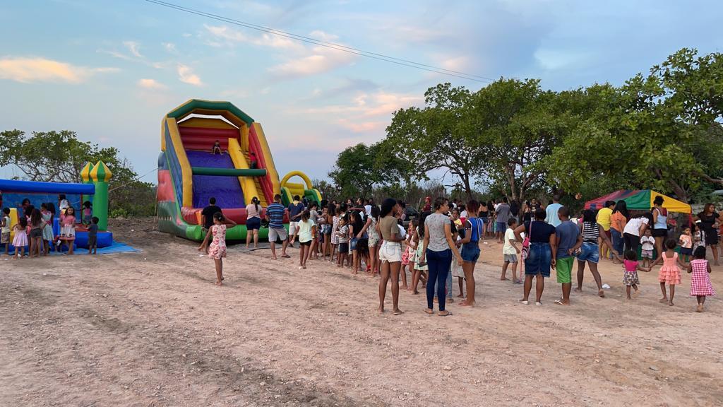 criancas-de-Miracema-Foto-04-Criancada-aproveitou-para-se-divertir-nos-brinquedos-inflaveis Solidariedade chega às crianças de Miracema